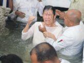 Baptême de l'eau : la porte menant à un héritage céleste par la foi.